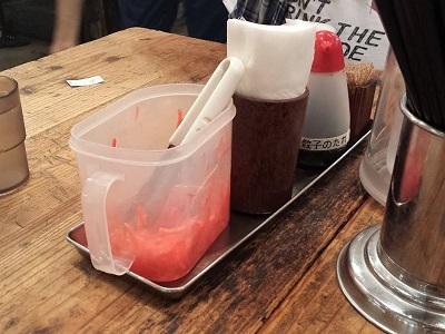 元祖博多だるまのテーブル調味料