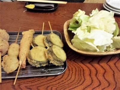 串かつ和さんはキャベツが別皿