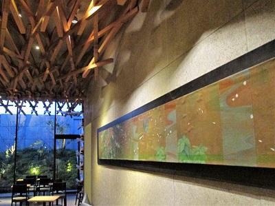 太宰府天満宮参道のスターバックスの壁