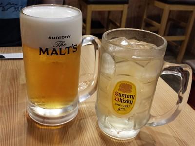 餃子酒場りきまるの生ビールと角ハイボール