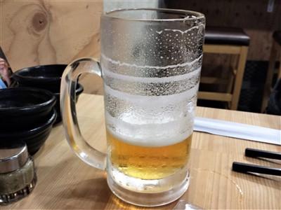 餃子酒場りきまるの生ビールにエンジェルリング