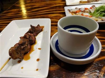 HIGEJIISAN(ヒゲジイサン)の日本酒と焼き鳥