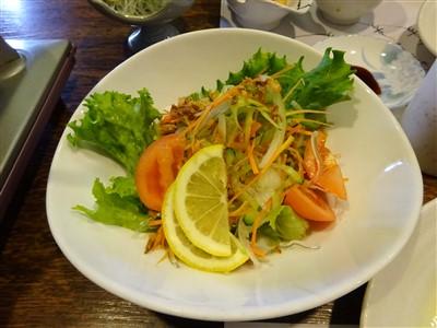 吉丁の豆乳鍋コースのサラダ