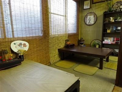 天六食堂の小上がりの座敷スペース