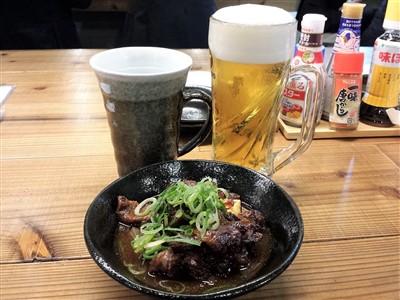 すじ一の生ビール・焼酎お湯割り・牛すじ煮込み