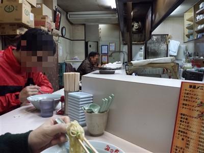 西鉄二日市のみっちゃんラーメンの店内