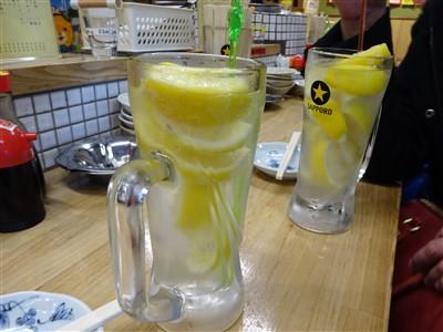 酒処あかりの最強レモンサワー1