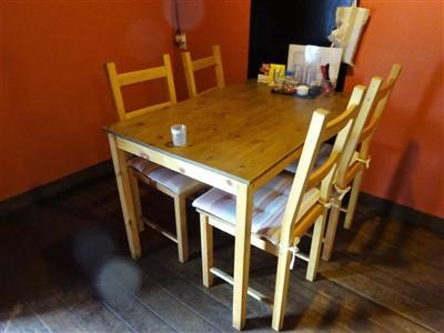 うどん処もりののテーブル席