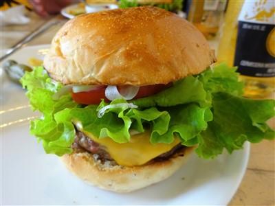 ハンバーガーの食べ方4